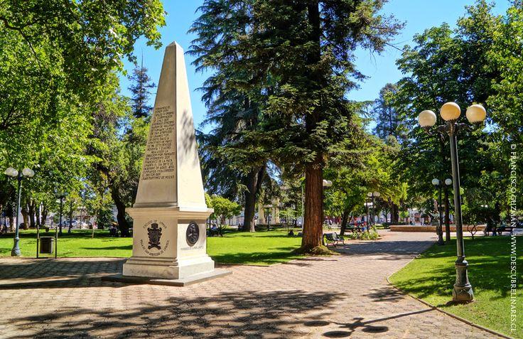 Plaza de Linares - Obelisco conmemoratorio de la fundación de la ciudad.