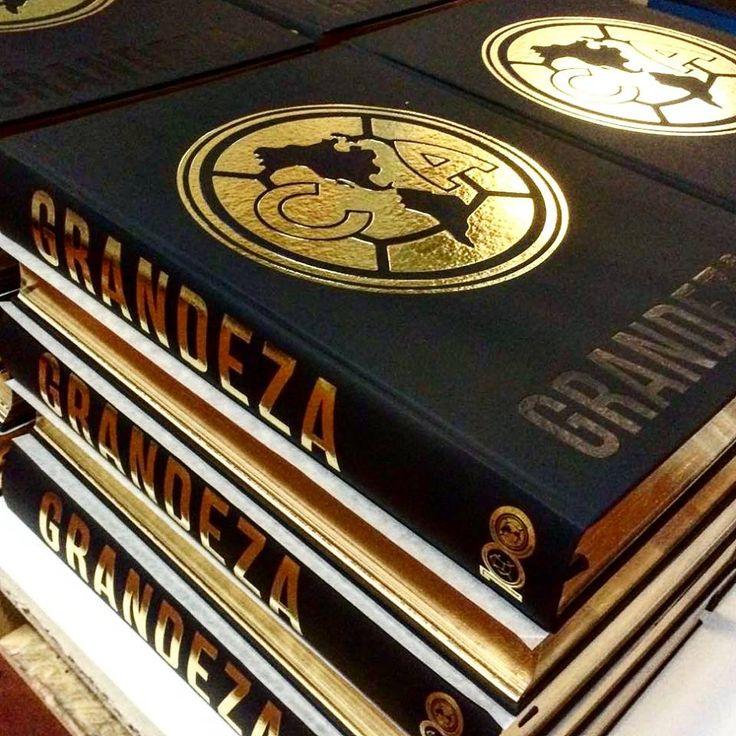Libro Conmemorativo del Centenario de Club America