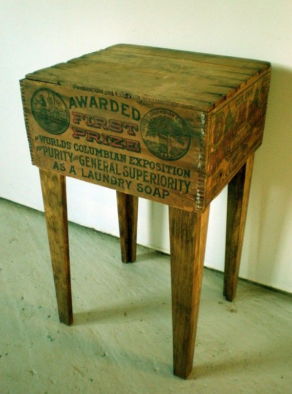 A beautiful, upcycled shipping crate table by Modern Arks!