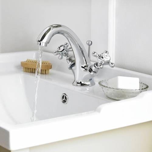 53 best images about salles de bain r tro on pinterest for Robinetterie salle de bain retro