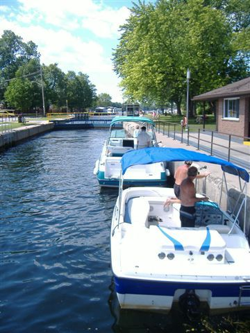 Boating through Lock 32 in Bobcaygeon