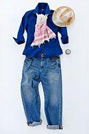 軽やかな素材感のリネンシャツ!シックなネイビーが大人の印象に。  レディースシャツのコーディネート レディースファッション Ladies shirts fashion coordinate