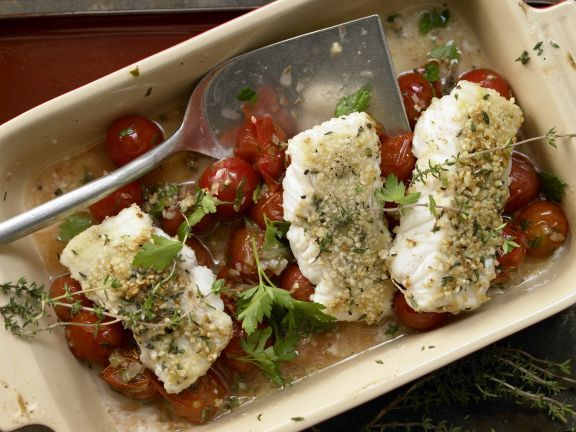 Fish Fillets with Almond Crust and Wilted Cherry Tomatoes | Eat Smarter