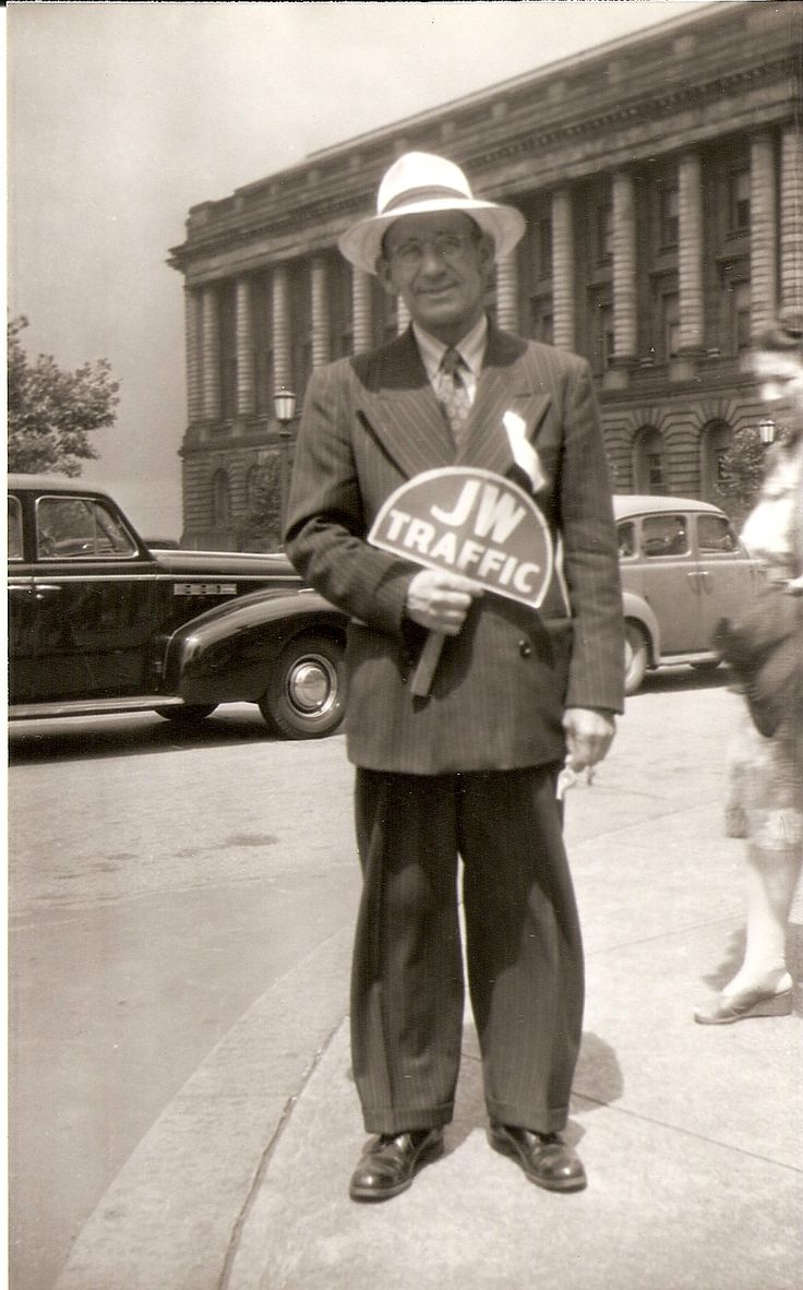1946 Glad Nations Convention Cleveland, OH JW traffic (Roger Johnson)