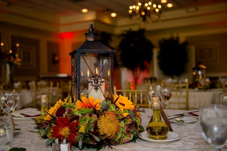 Elegant fall centerpiece to support lantern rover