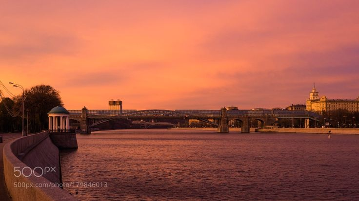 Sunrise on Moscow river