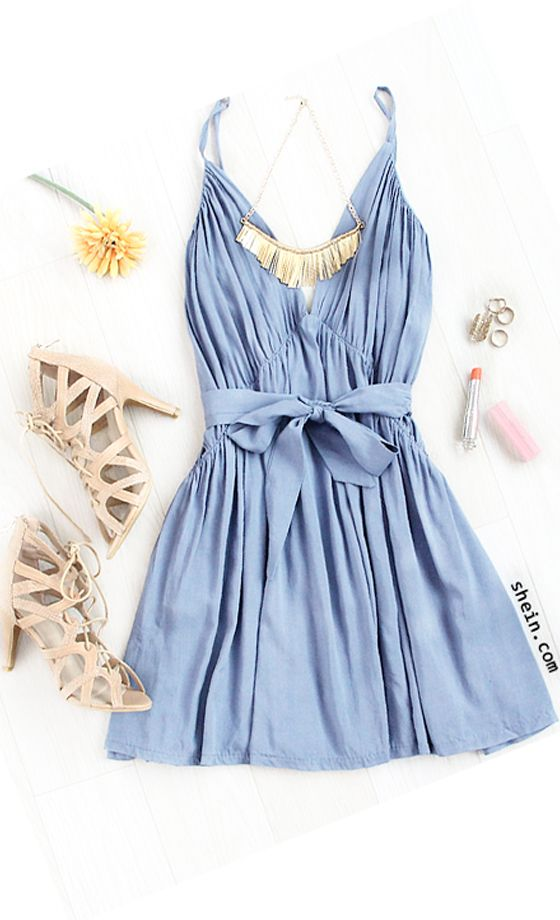 Spaghetti Strap Backless Pleated Dress