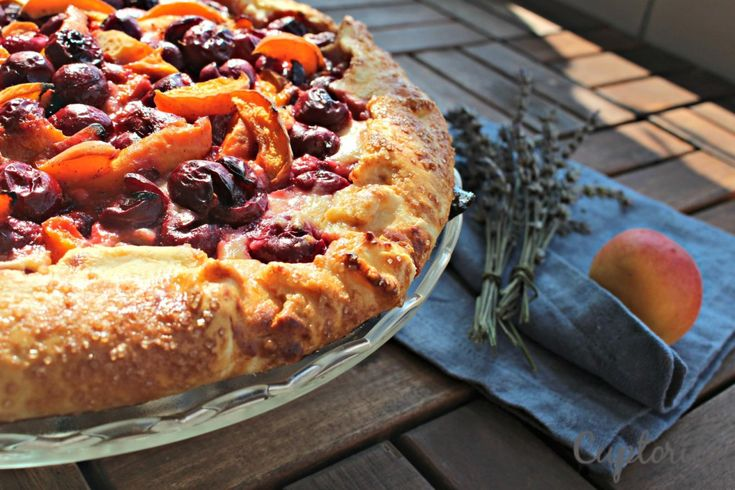 Galette cu Ricotta, Visine si Caise Galette with Ricotta and Apricots