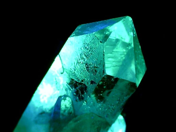 crystals fantasy and turquoise on pinterest aqua shard subdued lighting