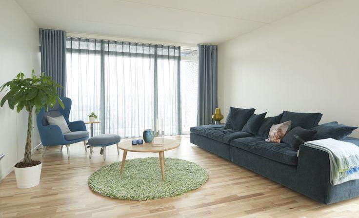 Gardiner skal ikke længere kun skærme for dagslys og naboer, de skal i højere grad skabe stemning og understrege stilen og indretningen i vores hjem.   Læs mere på vores hjemmeside www.hmgardinbusser.dk