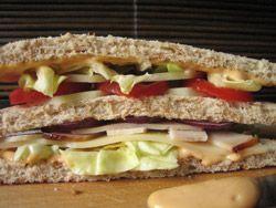 Club à la dinde Un club-sandwich nourrissant et équilibré.