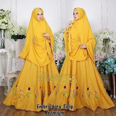 Embroidery Tulip Premium By Ivas  Bahan Dress Ity Crepe dihiasi keliling dibagian bawah dengan embroidery tulip. Busui dan karet punggang belakang Ld 102 cm Pjg 140 cm.  Khimar 3 layer bahan seruty LV Pjg dpan 90 cm pjg blkbg 140 cm  Retail: 405.000 Reseller 385.000 est. ready 26 okt  Line @kni7746k  Wa 62896 7813 6777  #pin #embroiderytulippremiumbyivas #distributorgamissyarisetkhimar #distributorgamissyarisetkhimarterbaru #distributorgamissyaribrandedoriginal…