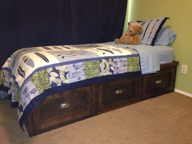 19 best images about bases para cama on pinterest twin for Boys twin bed with drawers