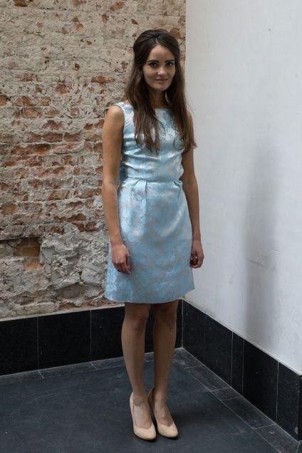 Licht blauwe jaren 60 jurk met strik op de rug