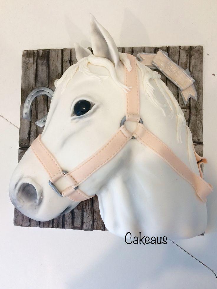 Hevosenpääkakku, horse head cake