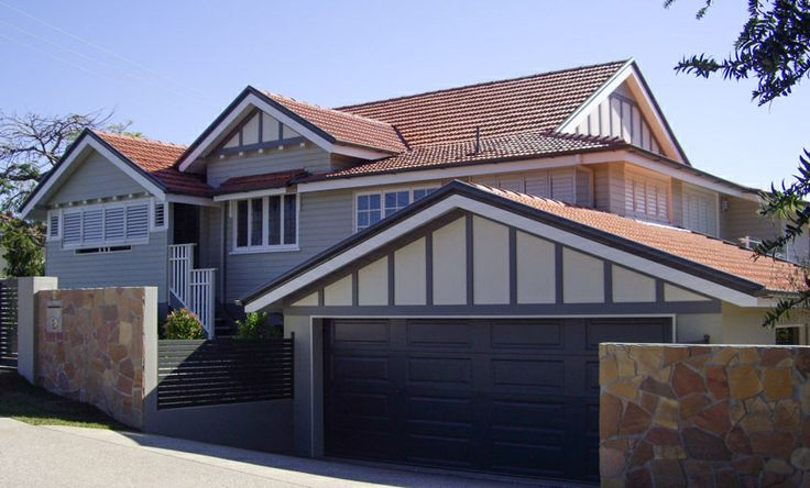 This is a fine example of an Ashgrovian Queenslander, period home. Renovating, adding a new garage and ground floor living space while keeping the lines, proportions and appropriate materials is something Sterling Interiors specialise in.