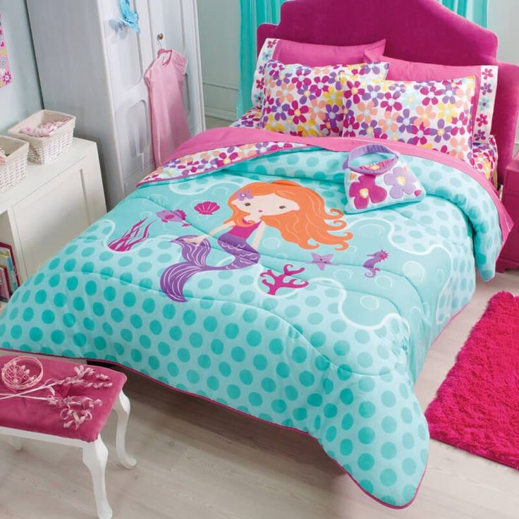 Enjoy the versatility of our reversible Mermaid comforter, one side will make you dive into the ocean while the other side is full of hot pink flowers. Fabric 50% polyester / 50% cotton Comforter Set