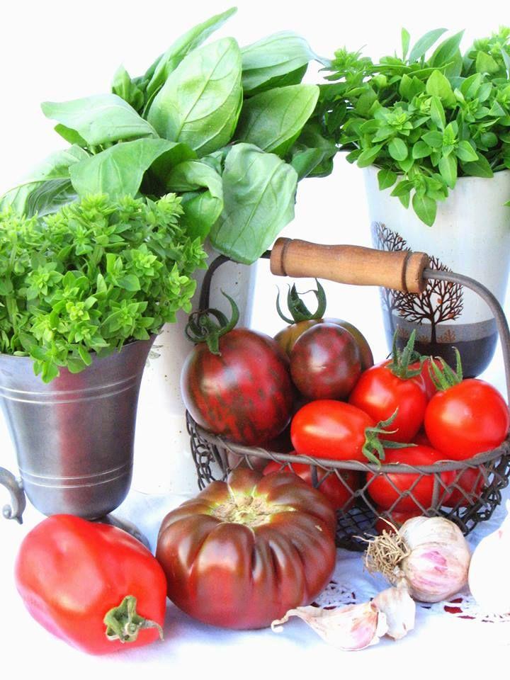 Fresh vegetables and Green Spices- Legume proaspete si condimente verzi http://www.tomatina.ro/