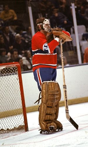 Ken Dryden in His iconic pose 1971