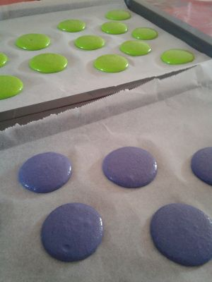Coques de Macarons - Meringue française - Macaronnage au KA