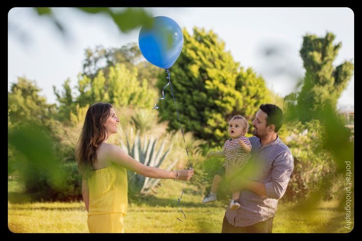 family photoshooting in the park #baby #mother #father #family #outdoorphotoshooting #park #balloon #sunnyday