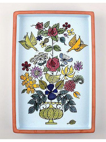 Dish decorated with flowers, Stig Lindberg, Gustavsberg studio. Faience. 1940s.