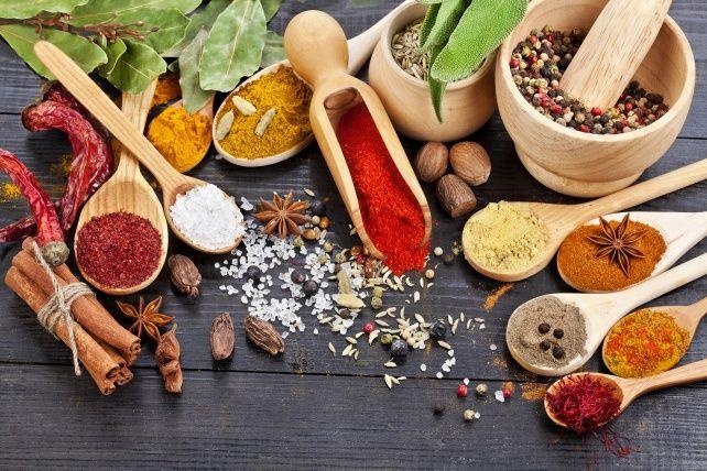 Como usar temperos na cozinha: ervas e especiarias | Blog Minerva
