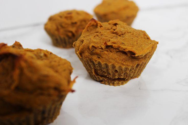 De her græskarmuffins er søde men samtidige sunde. Jeg spiste dem til frokost-snack, men det kan også sagtens bruges somaften-snack til en god film eller som dessert når der kommer gæster på besøg.