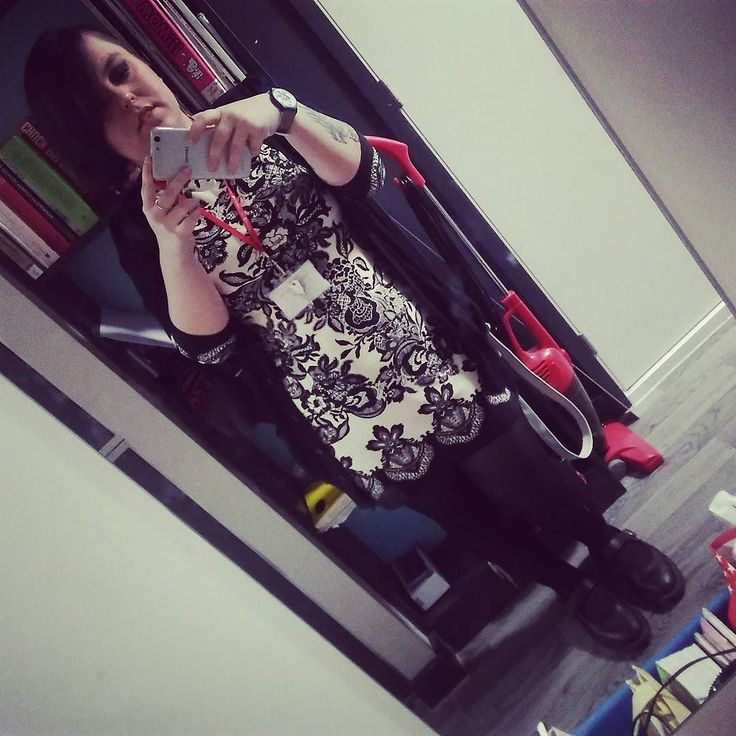 Not normally about the full outfit but I look like an adult. Also something about that weight wot I lost. #ootd #outfitoftheday #success #pretty #newdress #favouriteshoes #drmartens #urbandecaycosmetics #primark #truelove