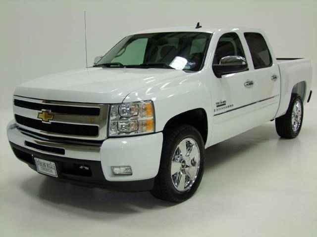 Chevy Silverado Texas Edition in white