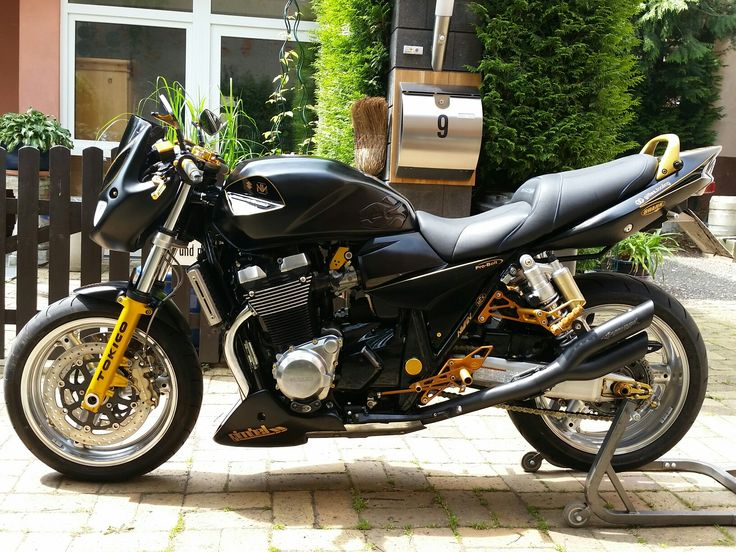 221 best suzuki gsx 1400 images on pinterest. Black Bedroom Furniture Sets. Home Design Ideas