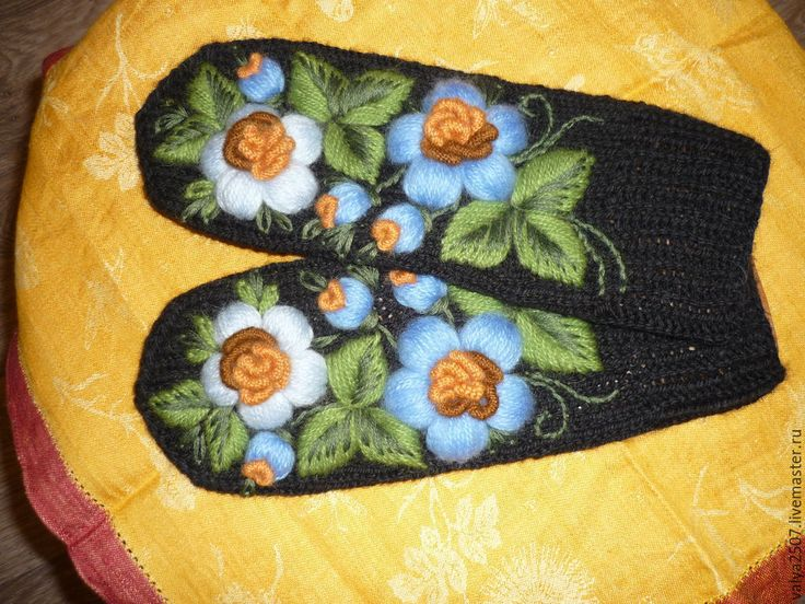"""Купить Варежки с ручной объёмной вышивкой """"Голубой да синенький"""" - черный, цветочный, варежки"""
