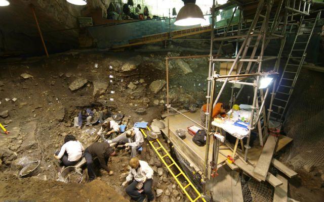 Portalón de Cueva Mayor - Imagen de Dicyt