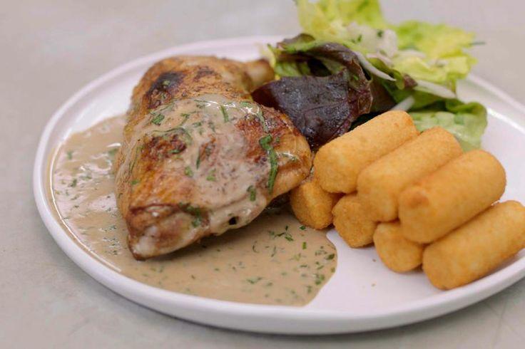 Kip en verse dragon zijn de beste maten in de keuken. Terwijl de kippenbouten in…