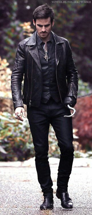 Colin O'Donoghue -Killian Jones - Captain Hook on Once Upon A Time