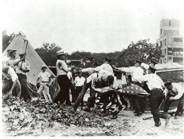 1932 - Bonus Army scuffles with Police