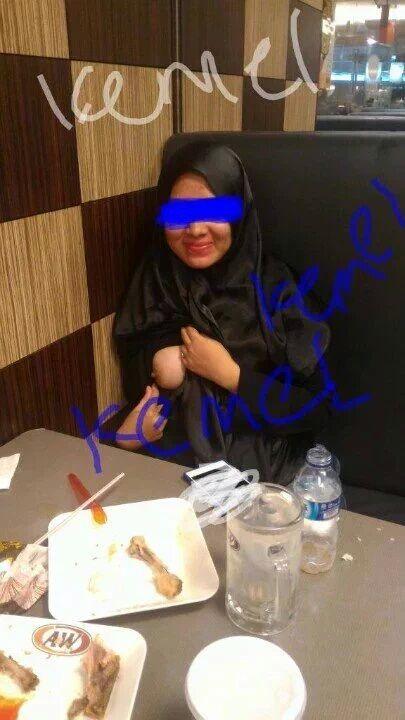 Horny Muslim Girljokeykegersangan: Lepas aku belanja A&W dia pulak belan… – Muslim Girl Raw Snapshot