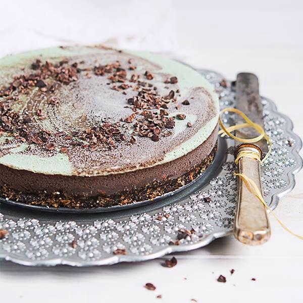 Tort Peppermint  #rawcoco #rawsweets #dulciurifarafoc #dulciurifarazahar #bunataticudragoste #vegan #nosugar #glutenfree #cleanlife #cleaneating #healthyfood #healthylife #bucharest #healthtycake #chocolate
