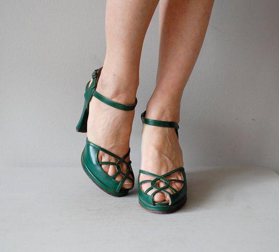 1940s shoes / green 40s platform heels / Oppenwerk di DearGolden