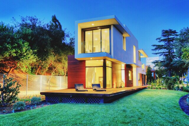 : Charmaine David  #modern #LA #HollywoodHills #hollywoodhomes #beautiful #padchasers