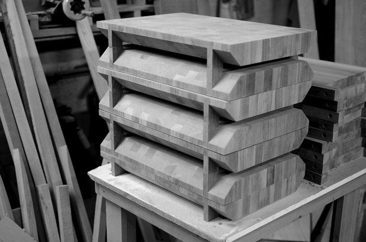 Planche à découper en construction / Cutting board under construction. #plancheadecouper #cuttingboard