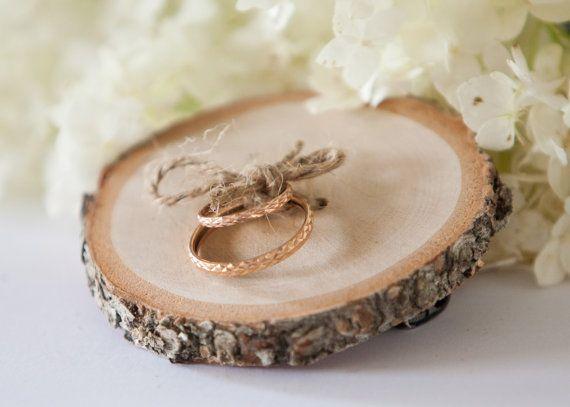 Rustieke ring aan toonder kussen berk door PlaceCardHolderShop