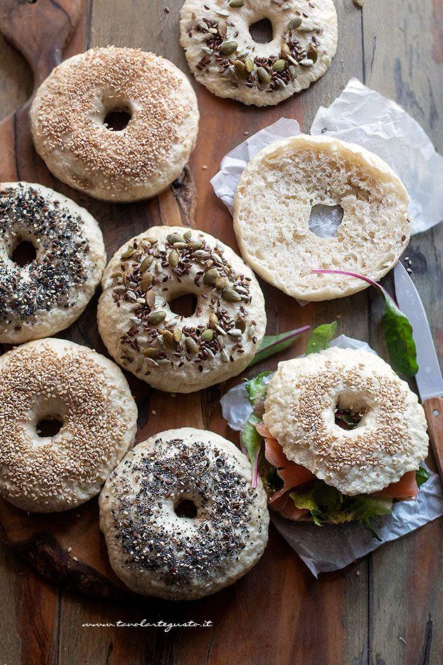 Bagel : Ricetta originale Bagels (panini americani) semplici o farciti