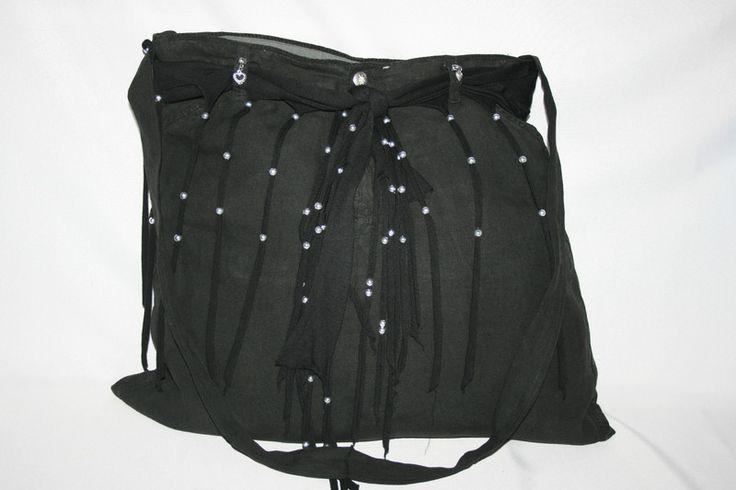 Umhängetaschen -  Umhängetasche schwarz, groß, Schultertasche - ein Designerstück von Angelas_Kreativwelt bei DaWanda