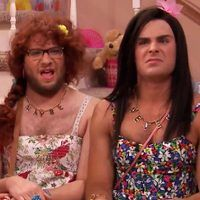 Zac Efron, Seth Rogen and Jimmy Fallon Don Drag for Tonight Show's Ew! Sketch?Watch Now!
