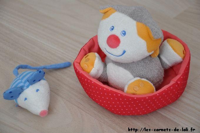 1 jouet HABA « Kikou le Minou » à gagner chez Le monde de Lali Leblog  http://les-carnets-de-lali.fr/2014/11/haba-calendrier-de-lavent-12/