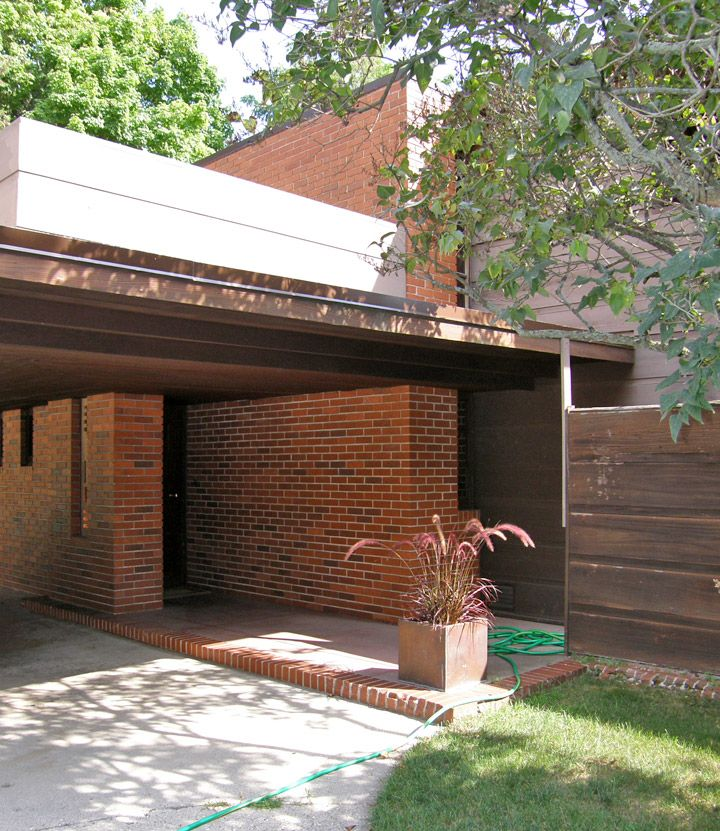 Bernard Schwartz House. 1939. Two Rivers, Wisconsin. Usonian Style. Frank Lloyd Wright