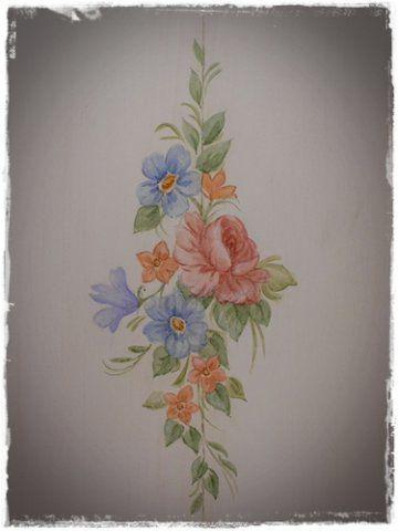 Oltre 25 fantastiche idee su mobili dipinti su pinterest - Decorazioni adesive per mobili ...