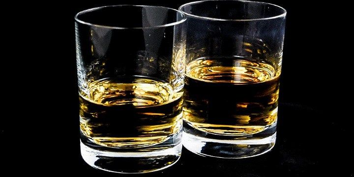 vinjournalen.se -  Vin Fakta : Smarta tips för dig som är whisky-rookie! |  Dricker du alltid samma whisky? Var inte orolig för att prova lite nya sorter som irländsk blended, en skotsk single malt, en skotsk blended, en amerikansk bourbon eller en kanadensisk whisky. Här är några tips för dig som vill prova whisky men är nybörjare. Våga prova nya sorter! De flesta buka... http://wp.me/p73gTR-3qR