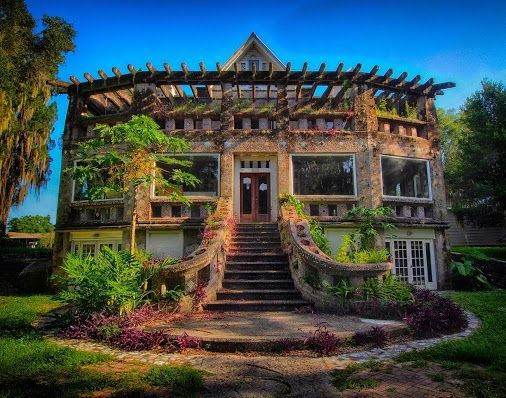 Susan Sorko - Google+ - A beautiful abandoned home in a small town of florida. It… #abandonedhomes